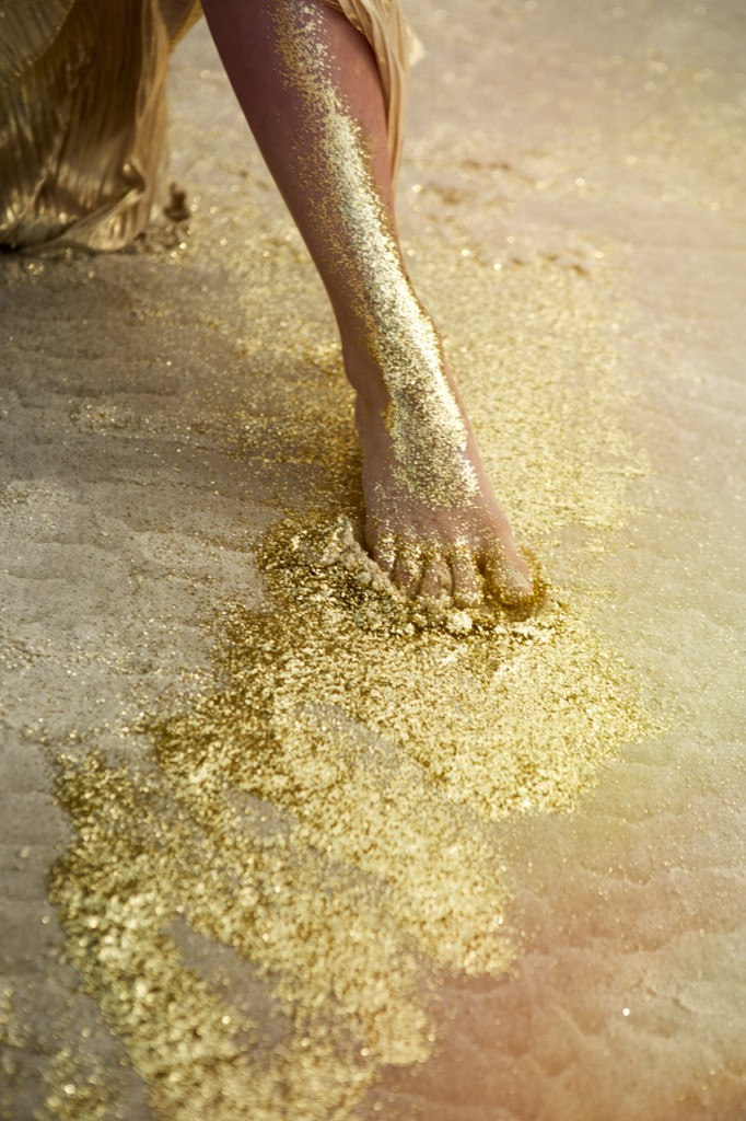 gold-foot-smaller-682x1024